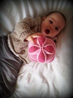 Mesmerizing Crochet an Amigurumi Rabbit Ideas. Lovely Crochet an Amigurumi Rabbit Ideas. Crochet Baby Toys, Crochet For Kids, Crochet Animals, Crochet Dolls, Free Crochet, Knit Crochet, Crocheted Toys, Amigurumi Patterns, Knitting Patterns