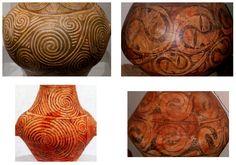 Începând cu cca 6000 î.e.n., capetele de ofidian (şarpe) cu ochi rotunzi şi gură alungită sunt scluptate ori reprezentate pe vase mari din sud-estul european. Capetele de şerpi formează protome pe vase şi apar pe mânere, o poziţie ce iese în evidenţă. Încolăcirea şarpelui redată în relief sau pictată pe vase este folosită ca simbol de identificare. Asemenea vase au fost probabil folosite în ritualuri dedicate Zeiţei-Şarpe.