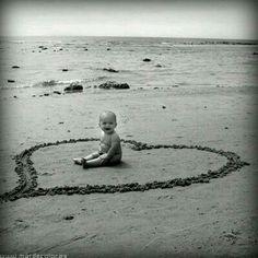 Mi hijo Nico con 6 meses en la playa de Zahora, Cadiz My son Nico with 6 months on the beach of Zahora, Cadiz Kids Beach Photos, Baby Beach Pictures, Beach Kids, Beach Poses, Beach Shoot, Beach Trip, Beach Photography, Children Photography, Family Photography