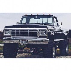 Wow check out this exciting Classic Ford Trucks - what an imaginative project Big Ford Trucks, 1979 Ford Truck, Classic Ford Trucks, 4x4 Trucks, Lifted Trucks, Chevy Trucks, 1979 Ford F150, Classic Cars, Lifted Chevy