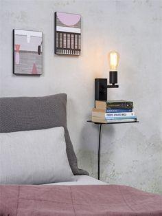 It's About RoMi - Florence wandlamp met plank en USB - Small Zwart It's About Romi, Florence, Luminaire Applique, Luminaire Design, Vintage Design, Floating Nightstand, Plank, Magazine Rack, Usb