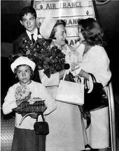 Bette Davis meeting pal, Olivia DeHaviland at the airport
