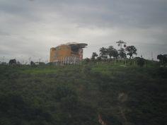 Teleférico Complexo do Alemão - Rio de Janeiro (visto de longe)