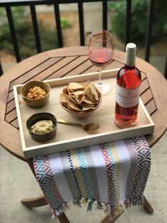 Rosé & hummus, one o
