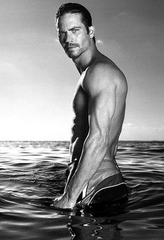 Paul Walker - ummmm, yes please! Paul Walker - ummmm, yes please! Paul Walker - ummmm, yes please! Eric Zimmerman, Look At You, How To Look Better, Gorgeous Men, Beautiful People, Beautiful Men Bodies, Beautiful Soul, Absolutely Gorgeous, Hello Beautiful