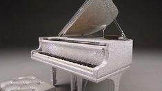 Stunning piano encru