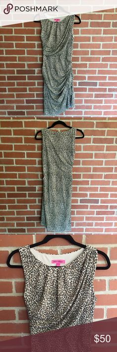 """Betsy Johnson Animal Print Dress Betsy Johnson Animal Print Dress. Size 8. Slightly tight fit but not necessarily a bodycon dress. Bust 33"""" Waist 28.5"""" Entire length shoulder to bottom 40.5"""" The material has some stretch to it. 95% polyester and 5% spandex. HAS A FEW MARKINGS ON THE INSIDE OF THE DRESS (SEE PICTURES 6 AND 7). Excellent Condition Otherwise! Let me know if you have any questions! ✅ I LOVE OFFERS ✅ 💜INSTAGRAM: @ocaputostyle Betsey Johnson Dresses"""