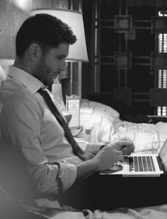Oh lawd. The scruff, the profile, the rolled up sleeves... Dean Winchester, my friends.