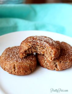 One Carb Snickerdoodles (Paleo, Vegan, Keto) – Pretty Pies Low Carb Recipes, Baking Recipes, Vegetarian Recipes, Healthy Recipes, Donut Hole Recipe, Cinnamon Sugar Cookies, Dairy Free Eggs, Candied Pecans, Breakfast Dessert