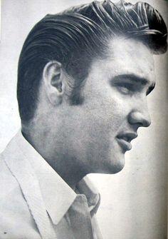 ★ Elvis ☆  - Elvis Presley Photo (