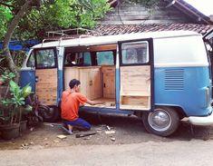 Siap berangkat jualan Custom vw combi food truck with jatilondo wood interior Info order Phone 082134649798 Whatsapp 085740116011 BBM 5BB46F64 #foodtrucks #foodtruck #vwcombi #vwcombiindonesia #vwcombifoodtruck #woodworking #woodwork #customvw #foodtruckjakarta #foodtruckindonesia #vwcombiindonesia #jakartafoodtruck #instapic #vintage #vintagewood #creative #combi #instapekalongan #instabatang #instategal #cafedecor #interior #eksterior #cafepekalongan #coffeeshop #coffee #automotive #jateng…