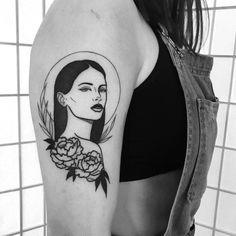 Image may contain: 1 person Life Tattoos, New Tattoos, Body Art Tattoos, Small Tattoos, Sleeve Tattoos, Cool Tattoos, Tatoos, Tatuagem Pulp Fiction, Traditional Tattoo Girls