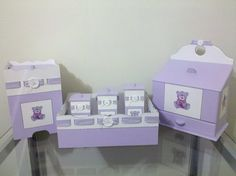 Produto a pronta entrega. Kit composto por 6 peças? - Três potes - Cesto - Lixeira - Farmacinha Peças em MDF com passa fitas, pintura e técnicas de decoupage R$160,00