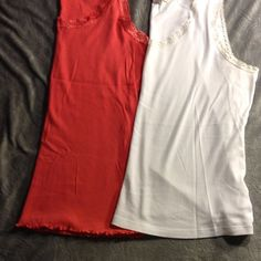 Woman's tank top bundle Woman's tank top bundle white  size 1X and coral 18/20 really excellent condition Tops Tank Tops
