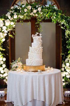 Luxury Isleworth Wedding - Plan It Events - Orlando Wedding Planner Luxury Wedding Venues, Luxe Wedding, Wedding Gold, Wedding Trends, Elegant Wedding, Wedding Flowers, Wedding Ideas, White And Gold Wedding Cake, White Gold