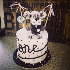 Hoot Monochrome 1st Birthday Cake