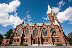 Mikkelin tuomiokirkko on varsin komea. Notre Dame, Building, Travel, Viajes, Buildings, Destinations, Traveling, Trips, Construction