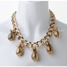 WAH!!!! I want this pineapple necklace from Diva ... I feel so angry that I don't have it ... WAH!!