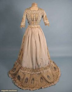 PALE BLUE BELLE EPOCH TEA GOWN, c. 1905