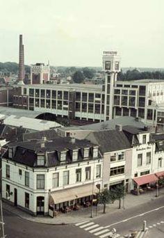 1961. Hotel Schreuder aan het Stationsplein.