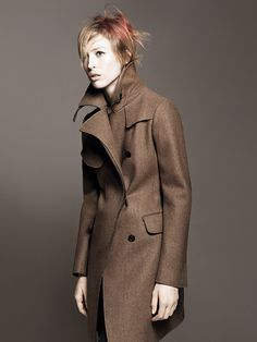 Raquel Zimmermann stars as the face of Jil Sander + Uniqlo's fall 2010 campaign photographed by David Sims. Ready for the fall in heavy coats and jackets… Raquel Zimmermann, David Sims, Tomboy Chic, Editorial Fashion, Fashion Trends, Jil Sander, Uniqlo, Winter Fashion, My Style