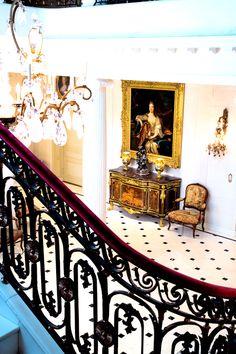 Hillwood, entrance at the estate...