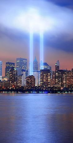 Never Forget. I've had the opportunity to see these lights in person and they are truly amazing and are a powerful tribute to the fallen. Monuments, Tribute In Light, Places To Travel, Places To Visit, Dubai, City Aesthetic, Dream City, Paisajes, Miles Apart