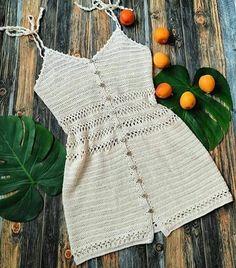 Roupa de crochê branca  para você e suas amigas compartilhar com todos que amam croche. Mode Crochet, Diy Crochet, Crochet Crafts, Crochet Baby, Crochet Projects, Crotchet, Motif Bikini Crochet, Crochet Shorts Pattern, Crochet Patterns