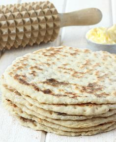 3-minuters tunnbröd | Tidningen Hembakat Raw Food Recipes, Bread Recipes, Baking Recipes, Savoury Baking, Bread Baking, Bagan, Cocktail Desserts, Everyday Food, Food Inspiration