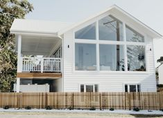 RENT A MODERN AUSTRALIAN BEACH HOUSE | THE STYLE FILES