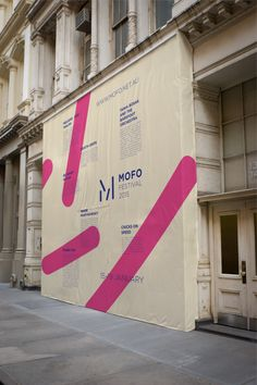 A new event identity concept for the MOFO festival Harley Jackman is a Melbourne, Australia based graphic designer. Event Signage, Event Branding, Wayfinding Signage, Retail Signage, Environmental Graphic Design, Environmental Graphics, Street Marketing, Design Stand, Stand Design