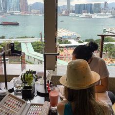 The view from the new @fsnailbar is spectacular! It is an experience, with champagne, fresh juice, smoothies and snacks available. And, you could arrange a afternoon tea set from The Lounge downstairs to enjoy here with a friend. Talk about a fun girls' day out! Sonia has been doing my nails here since before my daughter was born.