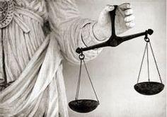 Adeletin temelini sağlayan savcılar , hakimler, avukatlardır.En iyi avukatları sizlere ünal hukuk bürosu davalarınız da görevlendiriyor olacaktır. http://unal-unal.av.tr/