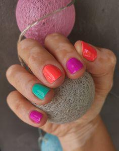Bright colorful shellac nails, by Studio Kriss Summer Shellac Nails, Gel Shellac Nails, Shellac Colors, Bright Summer Nails, Short Gel Nails, All Things Beauty, Nail Ideas, Hair And Nails, Hair Makeup