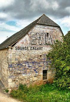 Evian, Cressensac, France