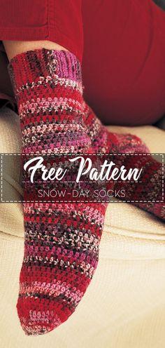 Excellent Totally Free Crochet socks free Tips Snow-day Socks – Free Pattern Easy Crochet Socks, Crochet Sock Pattern Free, Crochet Simple, Crochet Slipper Pattern, Crochet Slippers, Cute Crochet, Crochet Yarn, Free Pattern, Crochet Socks Tutorial