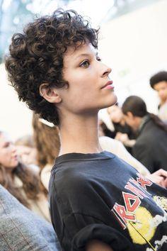 Short curly hair brunette seen at Chloé Spring 2016 Ready-to-Wear Fashion Show Beauty