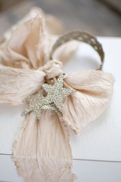 Beautiful napkin rings Ana Rosa