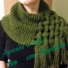 This Celtic Knot Loop Scarf Pattern is absolutely gorgeous and surprisingly simple! Using any size yarn and needles you'd like, give this pattern a try! pattern Celtic Knot Loop Scarf Pattern For Knitters Loom Knitting, Knitting Patterns Free, Knit Patterns, Free Knitting, Free Pattern, Knit Scarves Patterns Free, Celtic Patterns, Finger Knitting, Knit Or Crochet