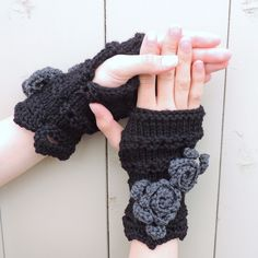 Rose Onie Classic Fingerless Gloves, Hand Warmers - Black with Dark Grey accents- Meino Wool