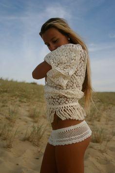 Lea mengual. Beach style