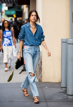 Leandra Medine, Love Fashion, Fashion Outfits, Fashion Design, Emmanuelle Alt Style, Steve Urkel, Jeans Trend, Lässigen Jeans, Ripped Jeans