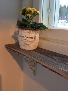 Ladon seinälaudasta tehty kukkalauta!