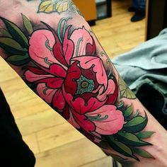 What does japanese flower tattoo mean? We have japanese flower tattoo ideas, designs, symbolism and we explain the meaning behind the tattoo. Tatoo Henna, 4 Tattoo, Cover Tattoo, New Tattoos, Cool Tattoos, Skull Tattoos, Tatoos, Peony Flower Tattoos, Peonies Tattoo