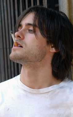 Jared Leto in Is he married or dating a new girlfriend? Does Jared Leto have tattoos? Does he smoke? Most Beautiful Man, Gorgeous Men, Beautiful People, Perfect People, Pretty Men, Gerard Way, Jared Leto Young, Jared Leto Hot, Lord Of War