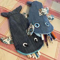 Aus alten Jeans hat meine kleine(10)mit mir sich ein Mäppchen gebastelt.#jeans #upsykling #aufwertung #ausaltmachneu #nähen #nähenfürkinder #sewing #sewingisfun #sewingtime #schulmäppchen #schlampermäppchen #fisch #fische #fish