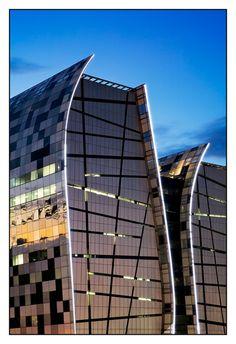 Close up of Alice Lane Towers in Sandton, Johannesburg, South Africa Photo by Wanda van den Hogen Pushpa Padayichie Interesting Buildings, Amazing Buildings, Modern Buildings, Museum Architecture, Architecture Design, Beautiful Architecture, Contemporary Architecture, High Rise Building, South Africa