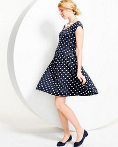 One of our best-selling silhouettes is new for the season with spot-on polka dots and an improved (less voluminous) fit. The fit-and-flare style skims the bodice, then gathers just below the waist, ready to twirl through days and dinners with a decidedly retro-inspired charm.