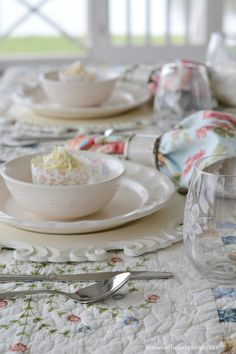 Spring or Easter table with Pfaltzgraff Tea Rose Dinnerware | homeiswheretheboatis.net #tablescape
