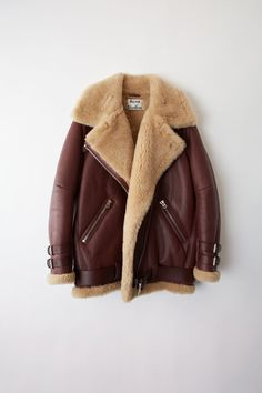 Acne Studios Velocite burgundy/beige is a thick, soft shearling jacket with straps and a belt in calf leather. Black Shearling Jacket, Shearling Coat, Leather Jacket, Look Fashion, Winter Fashion, Marketing Direct, Acne Studios, Beige Outfit, Aviator Jackets